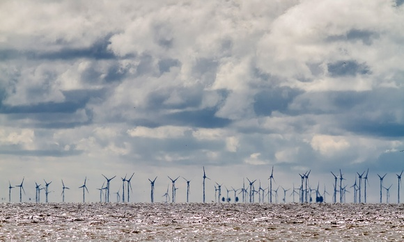 Offshore-Windkraftanlagen. Foto Stock/LKN-SH
