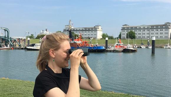 Amelie Berg testet den Digital Guide von Swarovski