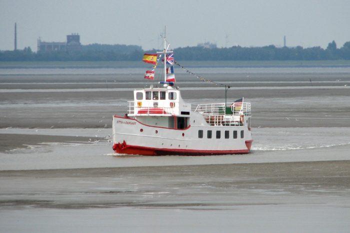 Ausflugsschiff vor Dangast