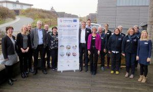 """Im Anschluss an die Fachtagung fiel der Startschuss für das deutsch-dänische Tourismus-Projekt """"NAKUWA"""". Das Bild zeigt die Projektbeteiligten"""