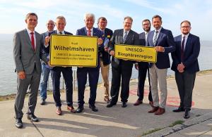 Die Unterzeichner der Kooperationsvereinbarung für die Biosphärenkommune Wilhelmshaven